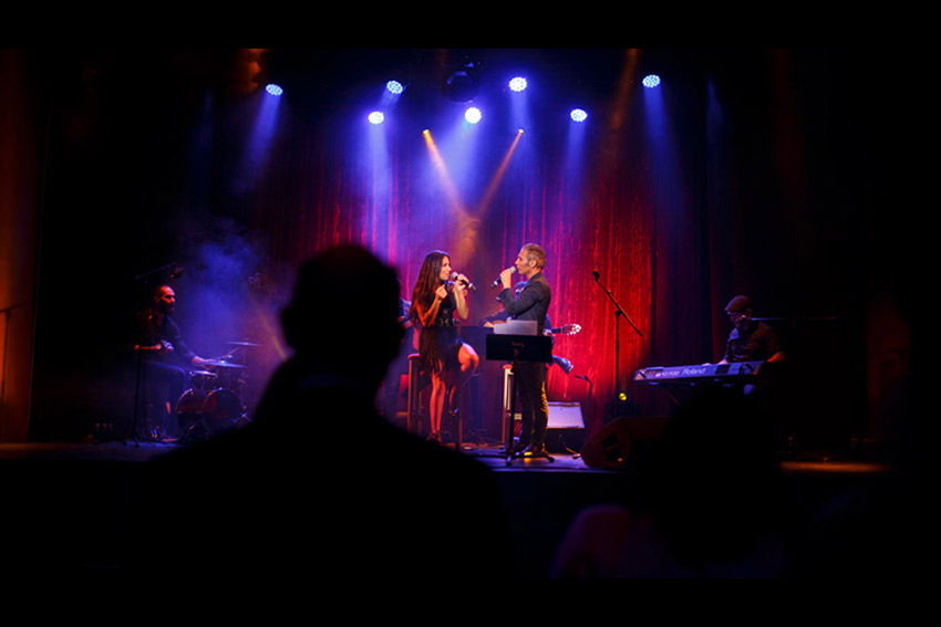 pitingo en concierto freelance - Inicio